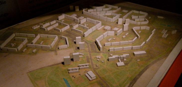 Modell des Prohliser Plattenbauviertels