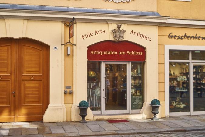 Das Antiquitäten Geschäft am Schloss führt einige außergewöhnliche Dinge!