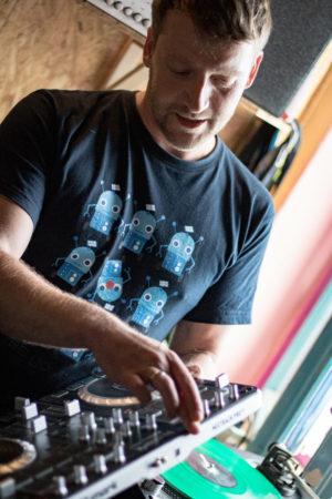 Thomas in seinem Aufnahmestudio.