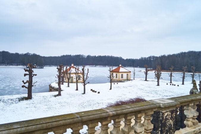 Zwei der Ferienwohnungen direkt am Schlossteich.