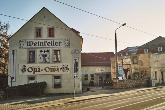 Die Kultgaststätte Oma in Cotta