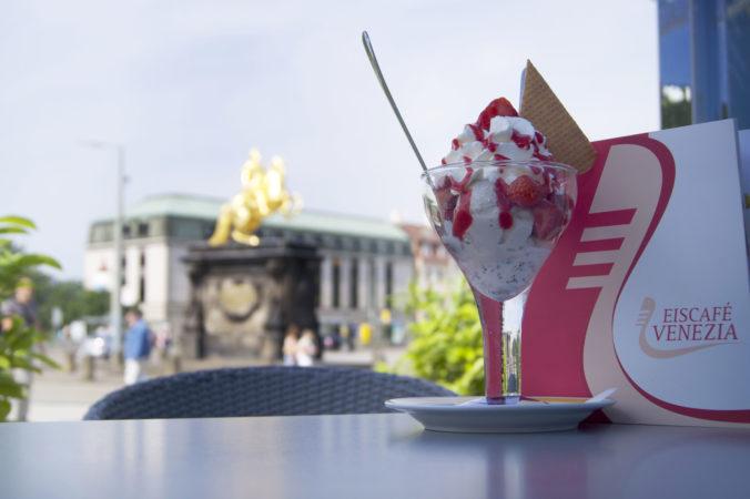 Fast wie in Italien, nur mit Blick auf den Goldenen Reiter in Dresden. | Bild: markenzoo