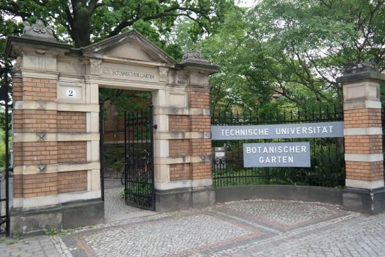 Eingang des Botanischen Garten in Dresden