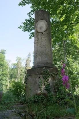 Lauras Denkmal