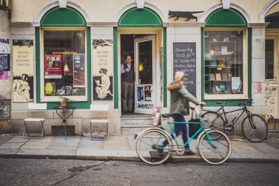 Ausgezeichnet: Büchers Best auf der Louisenstraße. Foto: Neustadtspaziergang/Stephan Böhlig