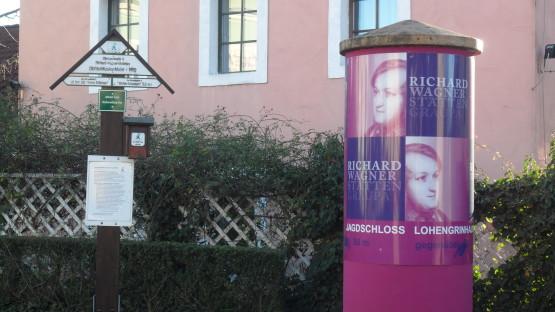 Wegweiser in Graupa zu den Richard-Wagner-Stätten