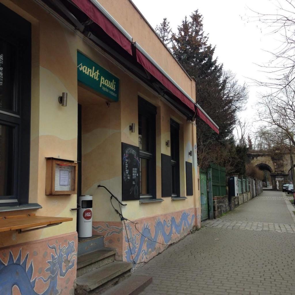 """Das Szenelokal """"Sankt Pauli Tagesbar und Restaurant"""" findest du auf der Tannenstraße 56"""