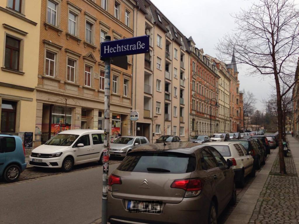 Die Hechtstraße benannt nach dem Förster Johann August Hecht ist die Hauptachse im Viertel