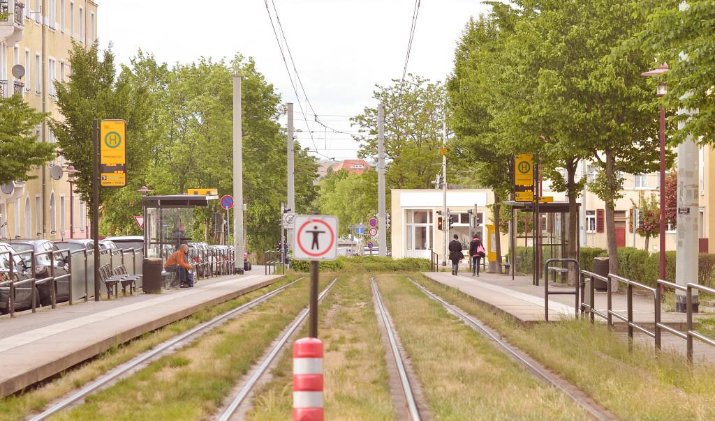 """Die Haltestellen """"Pennricher Straße"""" und der """"Hebbelplatz"""" sind die Hauptverkehrspunkte für öffentliche Verkehrsmittel."""