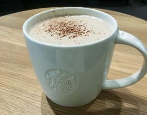 Eine heiße Schokolade an kühlen Herbsttagen ist doch genau das Richtige – natürlich in vegan