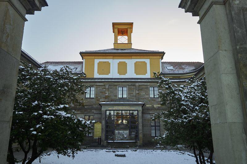 Das Krankenhaus Friedrichstadt, ehemals Palais des Graf Marcolini