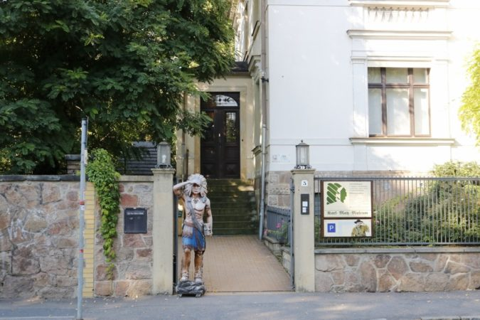 Der Eingang des Karl-May-Museums.