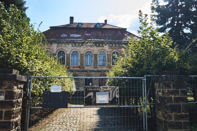Das Schloss Übigau bedarf derzeit dringender Sanierung