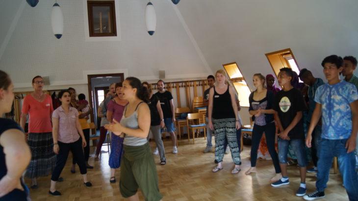 2015 hat das Projekt Singasylum Dresden eine Förderung über 300 Euro erhalten. Der internationale Chor aus Kleinschachwitz. Ihr Repertoire sind Lieder aus den Herkunftsländern der einzelnen Sänger.