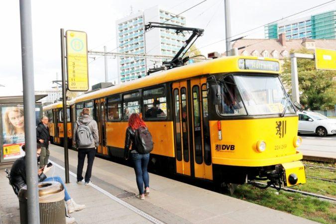 """Auch die Haltestelle """"Hauptbahnhof"""" hat einen neuen Ansager bekommen."""