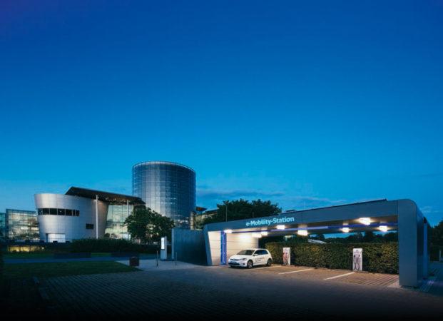 ©Volkswagen – Die Gläserne Manufaktur hat ein einzigartiges Design und ist sehr zukunftsorentiert.