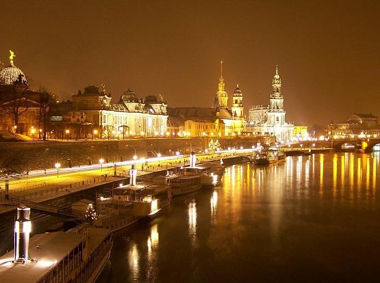 Auch wenn Dresden dieses Jahr nicht bei der Earth Hour mitmacht, kannst du am 24. März dennoch Teil der weltweiten Aktion werden. |Foto: Pixabay/Lucinda44