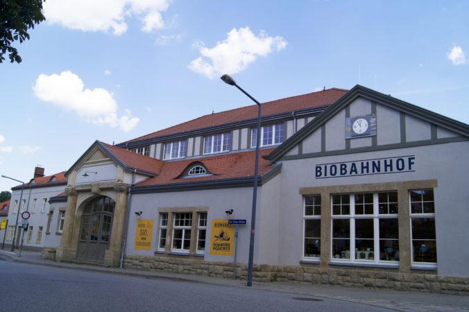 Der Bahnhof-Klotzsche ist euer Start für eine Tour durch diesen Stadtteil oder direkt in die Heide! | Bild: markenzoo